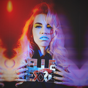 Elle Exxe - Synthesising