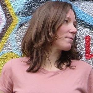 Tess Callaghan - Favourite Director (Radio Edit)