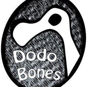 DodoBones - At Busk We Play (Live)