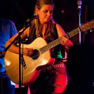 Sara Douglas